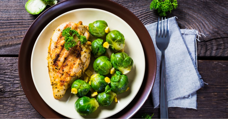 grilled-meat-with-sprouts@800px